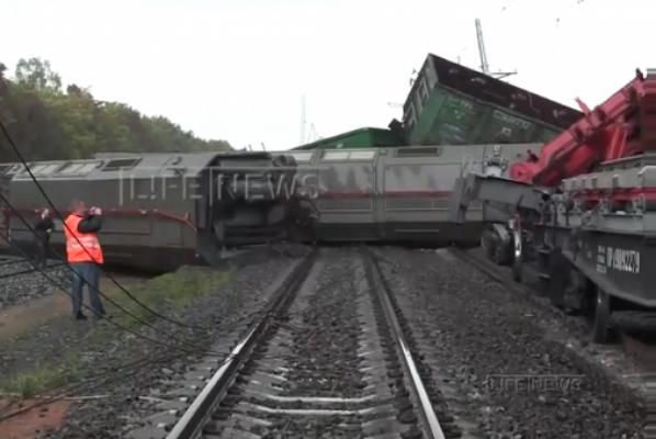 Движение поездов на перегоне Мезенский–Гагарский восстановили поздно ночью