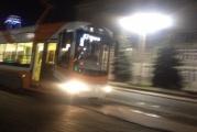 В Екатеринбурге горожане ночью заметили инновационный трамвай