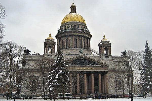 Власти Петербурга отказались передавать Исаакиевский собор РПЦ