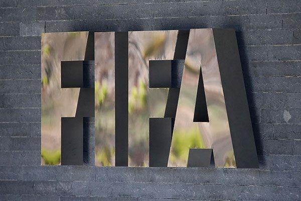 В обновленном рейтинге ФИФА сборная России опустилась на 32-е место
