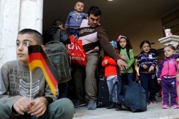 Германия потратит на беженцев в 2015 году около 10 миллиардов евро
