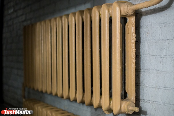 В Ревде родители замерзающих дошколят осадили мэрию. В муниципалитете из-за холодов закрылась половина садиков
