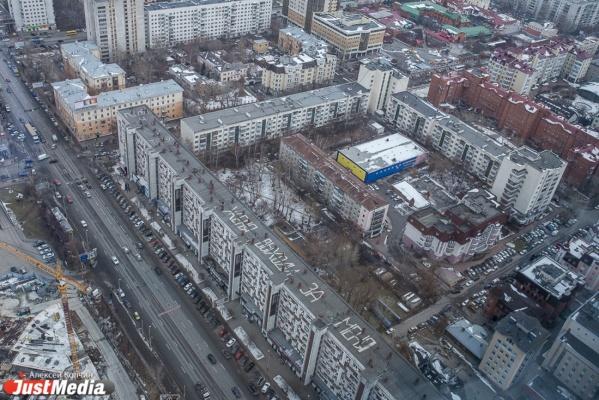 В Екатеринбурге девелопер, который вложится в расширение улицы Татищева, может получить лакомый кусок под застройку на ВИЗе