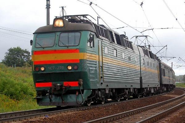 В Приморье шестилетнему мальчику пробил голову камень, брошенный им в поезд
