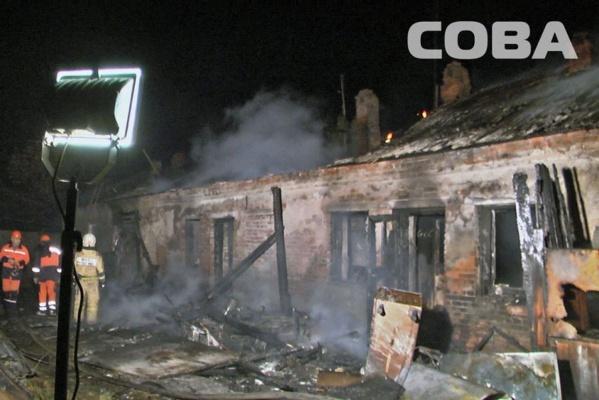 На станции Сысерть сгорел одноэтажный барак