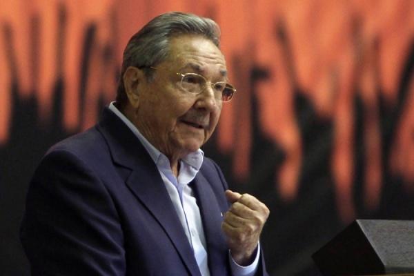 Папа Римский и кубинский лидер Рауль Кастро провели беседу