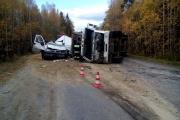 Под Кировградом грузовик с песком накрыл микроавтобус, водитель которого скончался на месте