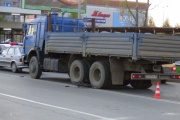 В Екатеринбурге грузовик сбил ребенка-велосипедиста
