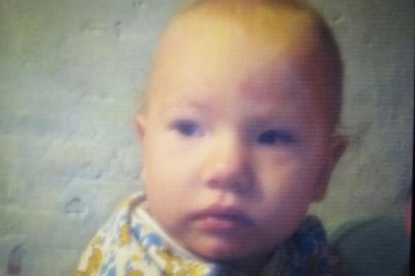 В Нижнесергинском районе пропала полуторогодовалая малышка