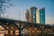 «ГИБДД игнорирует нарушения». Форманчук решил спасти Макаровский мост от большегрузов