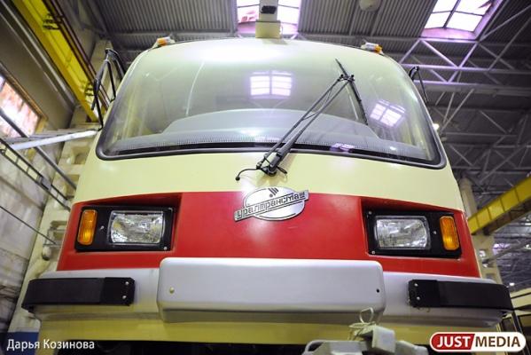 Екатерибуржцы смогут оценить новый низкопольный трамвай на маршруте №18
