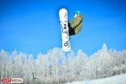 В Свердловской области приступили к заснеживанию горных склонов