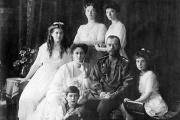 Праздник Октябрьской революции может превратиться в День памяти Романовых