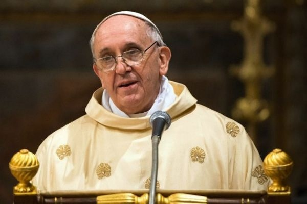 Ватикан опроверг слухи о наличии опухоли мозга у Папы Римского