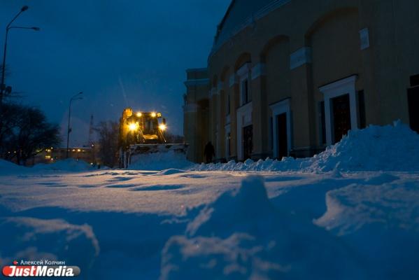 За уборкой снега в Екатеринбурге следят спутники