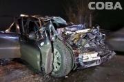 На Вторчермете Chevrolet выехал на встречку и врезался в грузовик