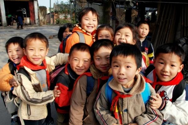 Китай разрешит всем семьям иметь двух детей