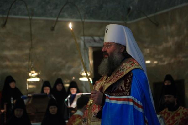 Митрополит Кирилл совершил поминовение погибших в авиакатастрофе в Египте