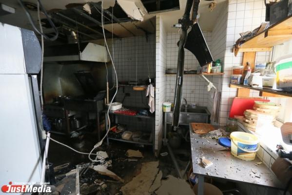 В Свердловской области при пожаре из-за непотушенной сигареты погибла семья пенсионеров