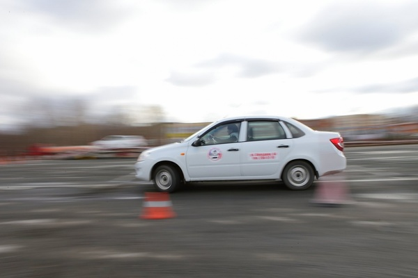 Участницы «Мисс Pogazam» садятся за руль: автоледи покажут себя на соревнованиях по автомногоборью