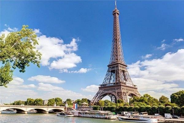В минувшую пятницу в Париже произошел ряд терактов