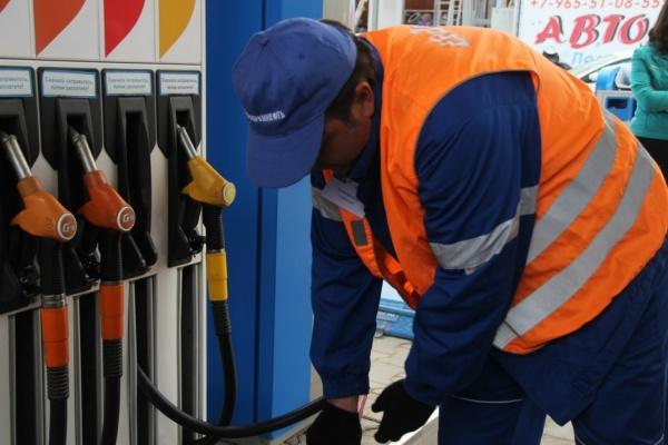 Коробейников: «АЗС, продающие некачественный бензин, будут наказаны»