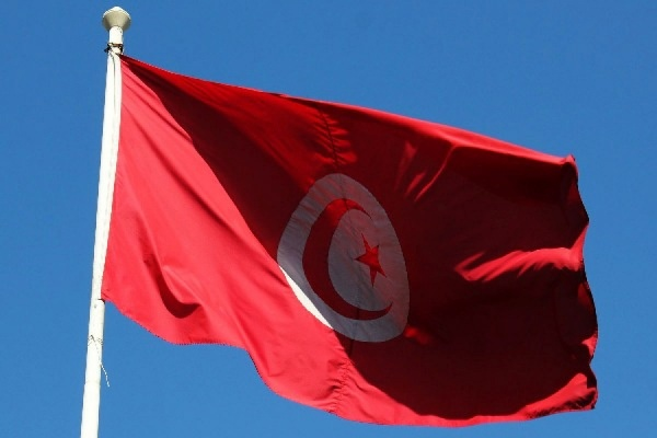 В Тунисе взорвали автобус президентской охраны