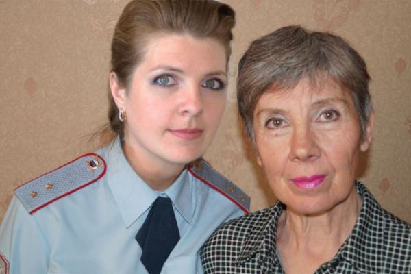 Свердловские полицейские сделали селфи со своими мамами
