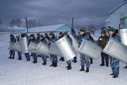 В Краснотурьинске сотрудники колоний учились пресекать массовые беспорядки и вести переговоры