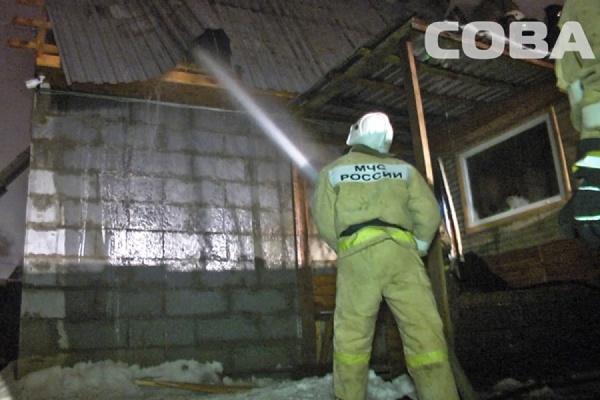 На улице Мраморной горел банный комплекс