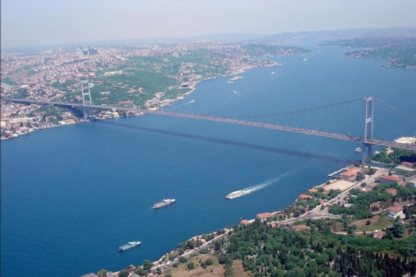 Турция усложнила проход российских судов через пролив Босфор