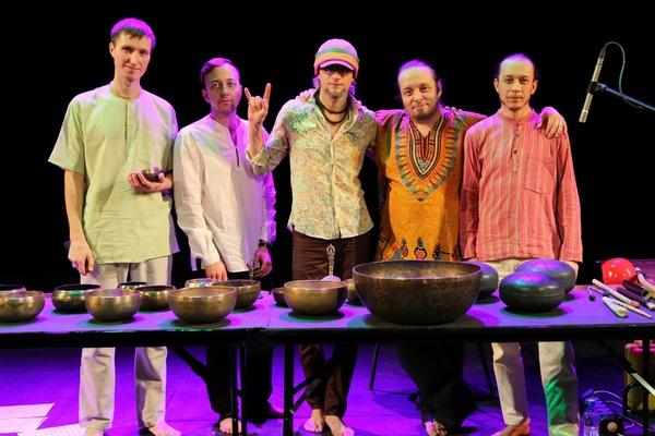 Единственный в России этно-оркестр «Alpha & Co» из Екатеринбурга дал концерт в Москве