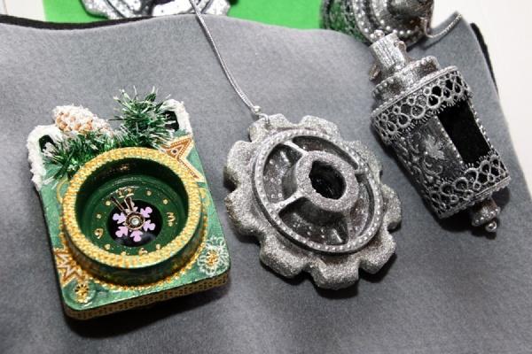 Сухоложские литейщики отправили Деду Морозу в Великий Устюг уникальные игрушки