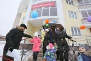 Семьи военнослужащих ЦВО получили новые квартиры