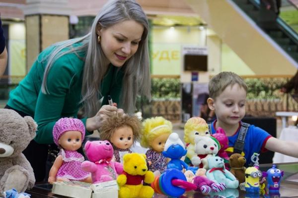 Тысячи старых игрушек нашли новых хозяев