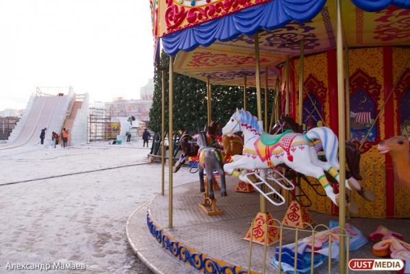 Более полумиллиона екатеринбуржцев планируют посетить праздничные площадки во время новогодних каникул