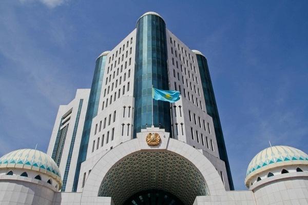 Депутаты попросили Назарбаева распустить нижнюю палату парламента