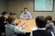От истории денег до планирования: уральский банкир открыл школу финансовой грамотности для детей