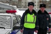 Сотрудники ГИБДД Екатеринбурга в свой выходной день задержали похитителя сотового телефона