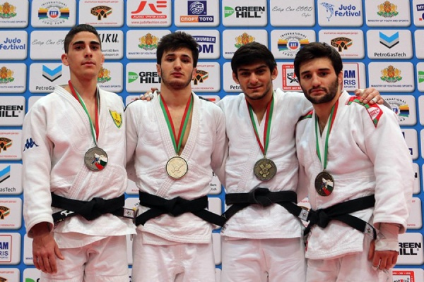 Сахават Гаджиев завоевал первую награду на взрослом международном турнире