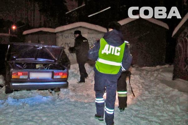 В Екатеринбурге в сгоревшей машине найден труп мужчины