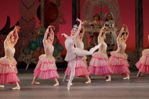 В Екатеринбурге пройдёт показ постановки New York ballet «ЩЕЛКУНЧИК»
