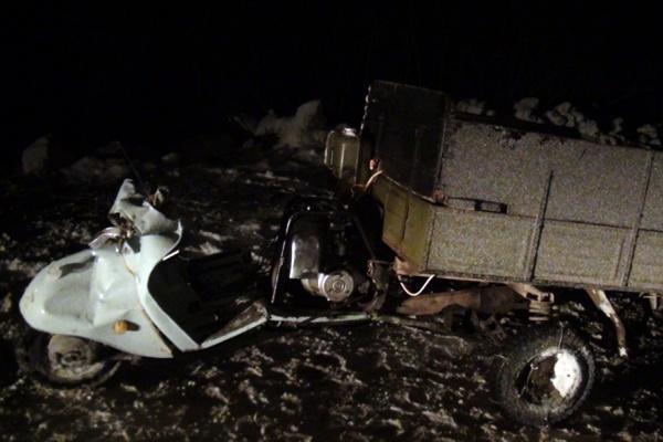 В Туринском районе в столкновении с иномаркой погиб водитель мотороллера