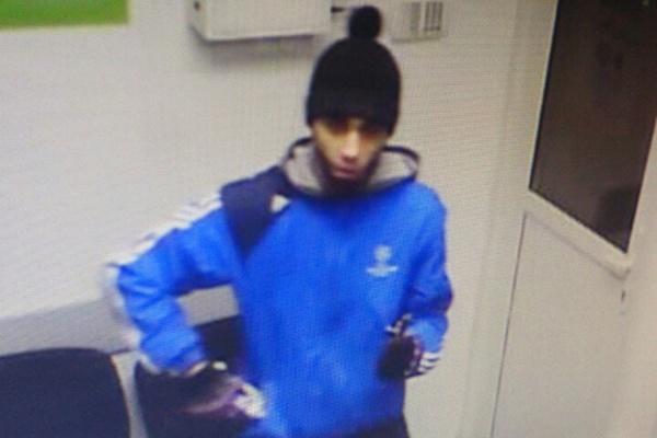 Полиция Екатеринбурга разыскивает подозреваемого в разбойном нападении на пункт малого кредитования. ФОТО