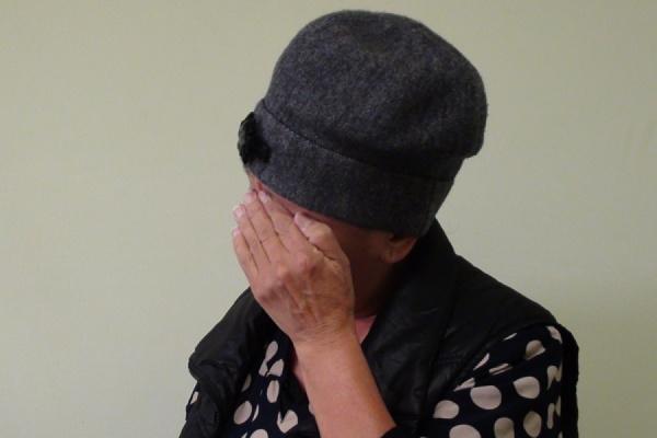 В Нижнем Тагиле воровка вынесла из магазина дорогостоящую шубу под подолом юбки