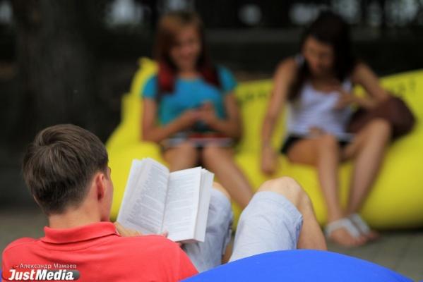 Жители Екатеринбурга в течение года будут читать любимые произведения Владислава Крапивина