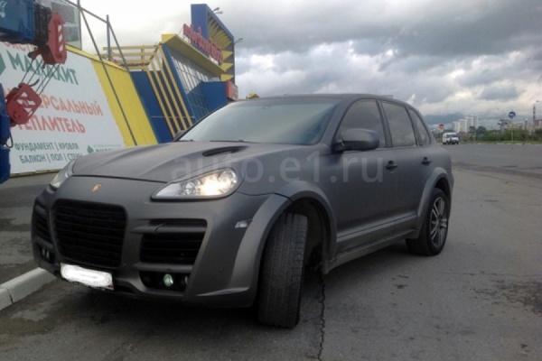 Судебный пристав, прикинувшись покупателем, арестовал Porsche Cayenne должника