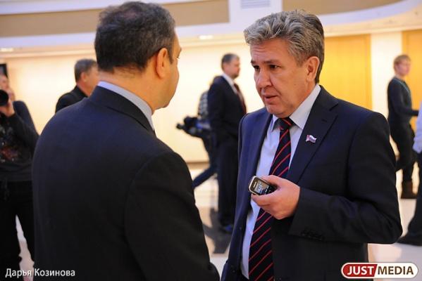 Нафик Фамиев требует опубликовать декларации о доходах депутатов: «Опять будем последними»