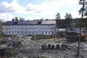 Свердловские власти продолжают переселять людей из барков в бараки. Жильцы пышминских ветхих домов боятся новоселья. ФОТО