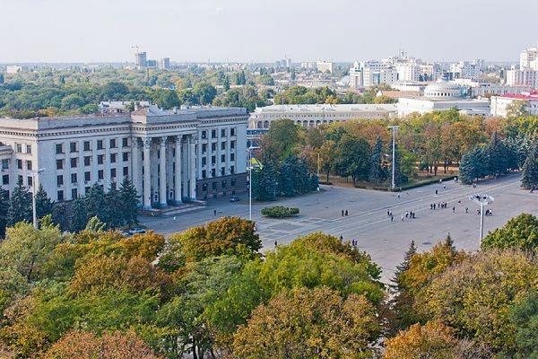 Полиция ищет бомбу на Куликовом поле в Одессе
